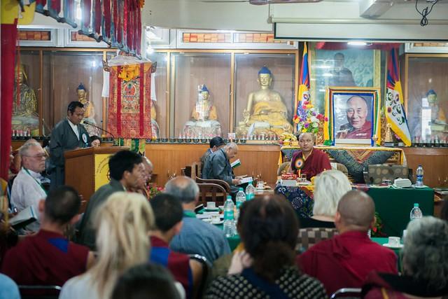 東西合璧抗憂鬱,法王噶瑪巴出席第四屆身心靈與生命研討會