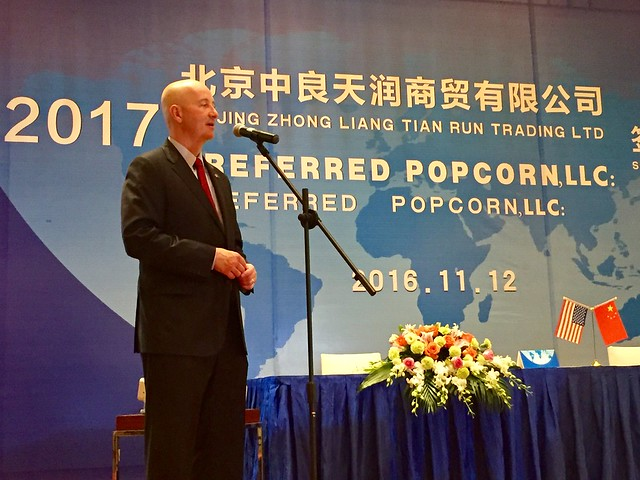 Gov. Ricketts Announces Contract to Sell Preferred Popcorn in China - 11/12/2016
