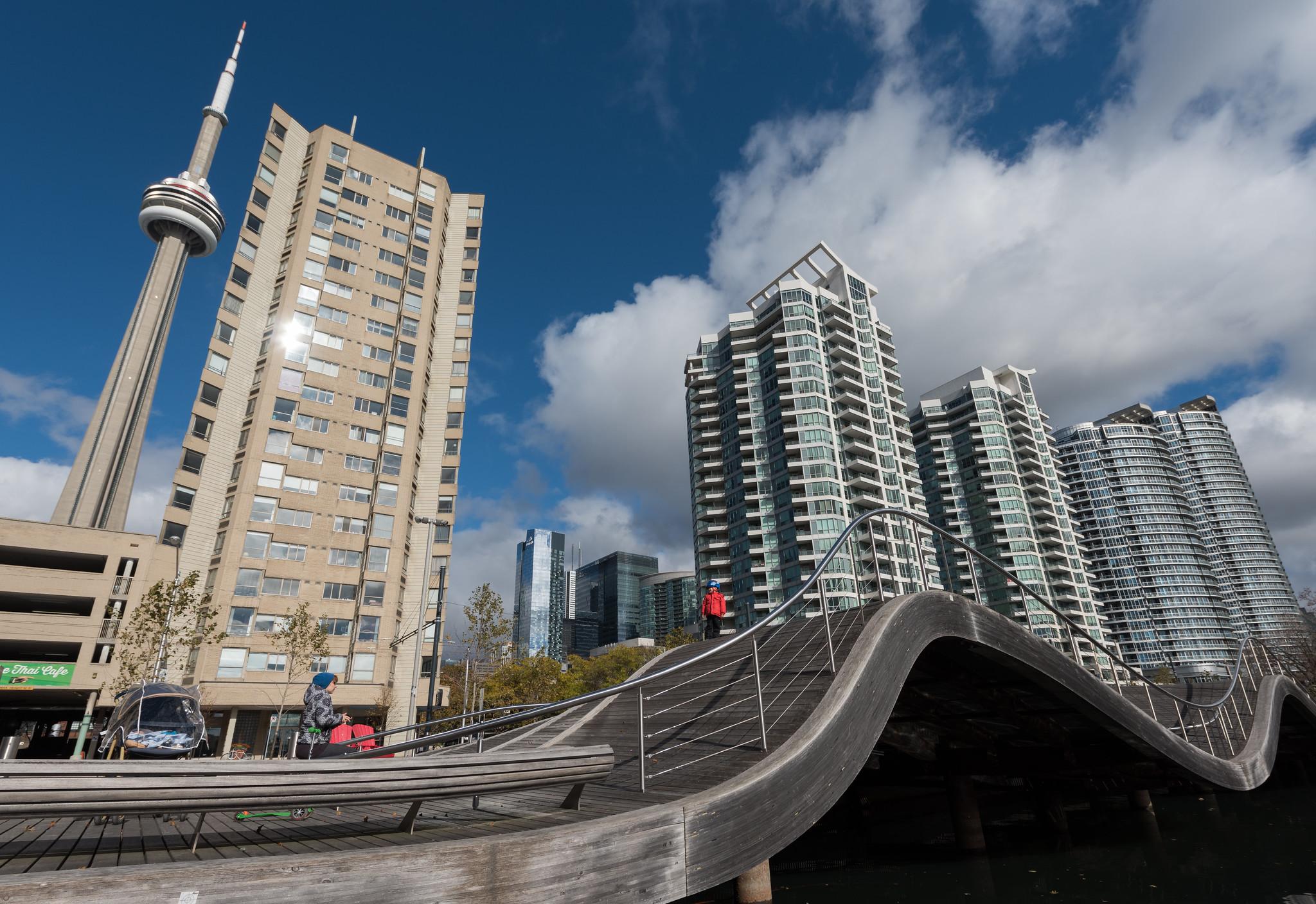 Toronto Wave Deck