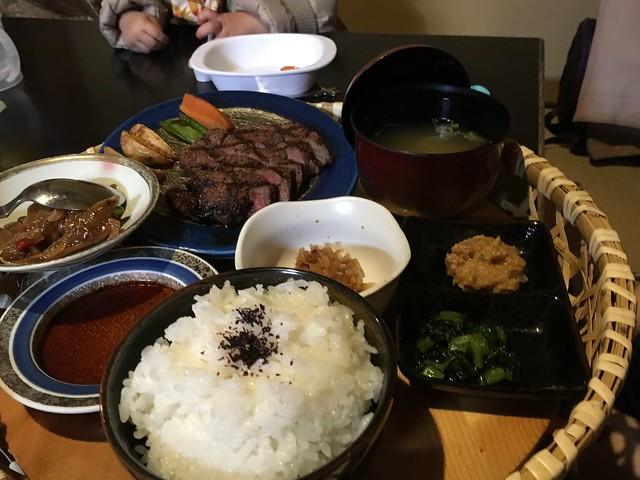 壽星大人麗莎小姐的牛排套餐