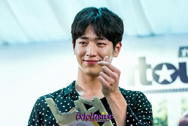 entourage-seokangjun-sgxclusive-3