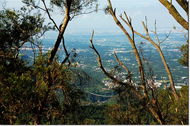 田良井西峰俯瞰水門、隘寮社區及山地門山川琉璃吊橋