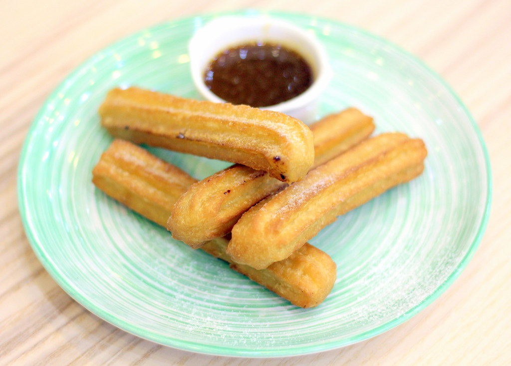 Relaxing Cafés in Punggol: Whisk And Paddle Churros