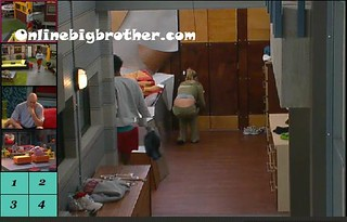 BB13-C2-8-8-2011-2_02_42.jpg | by onlinebigbrother.com