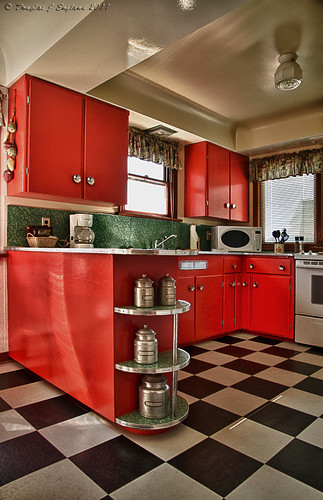 Retro kitchen flickr photo sharing for Retro kitchen flooring