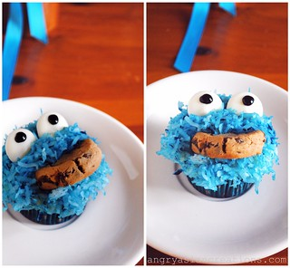Cookie Monster Cupcakes | by Lan | MoreStomachBlog