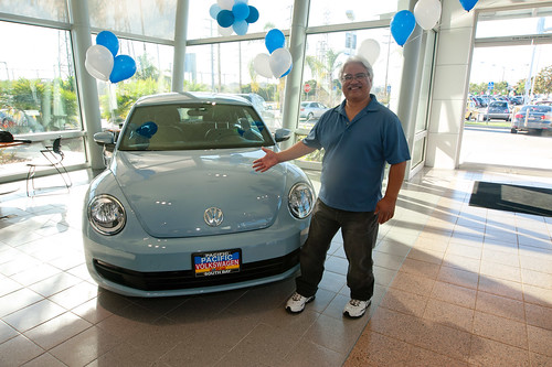 Oprah Community Heroes pick up their 2012 Beetles from LAcarGUY | by lacarguy