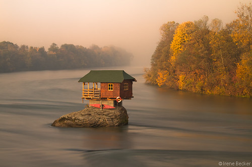 House on the Drina River / Kućica na steni / Stenčica | by Irene Becker