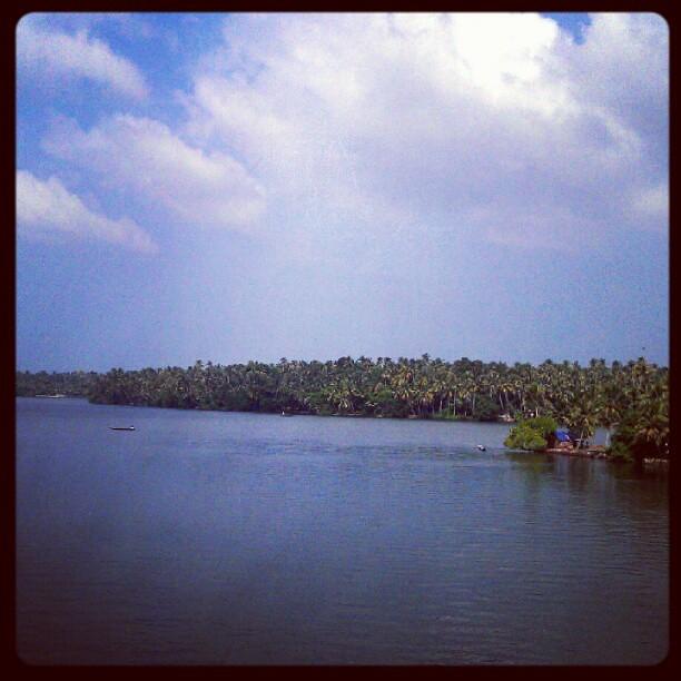 Ashtamudi Lake: Places To See Kollam