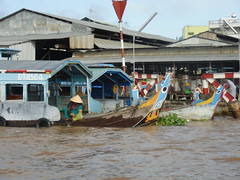 Vietnam. Cerca de Canthó. Navegando  por canales del Delta del Mekong.