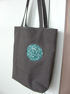 Lotta circle tote | by NeedleAndSpatula