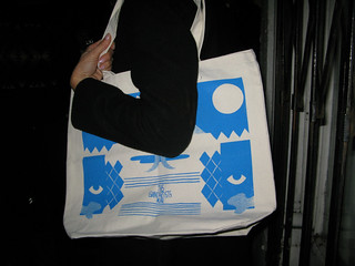 this la_giant artists_incase tote bag | by Incase.