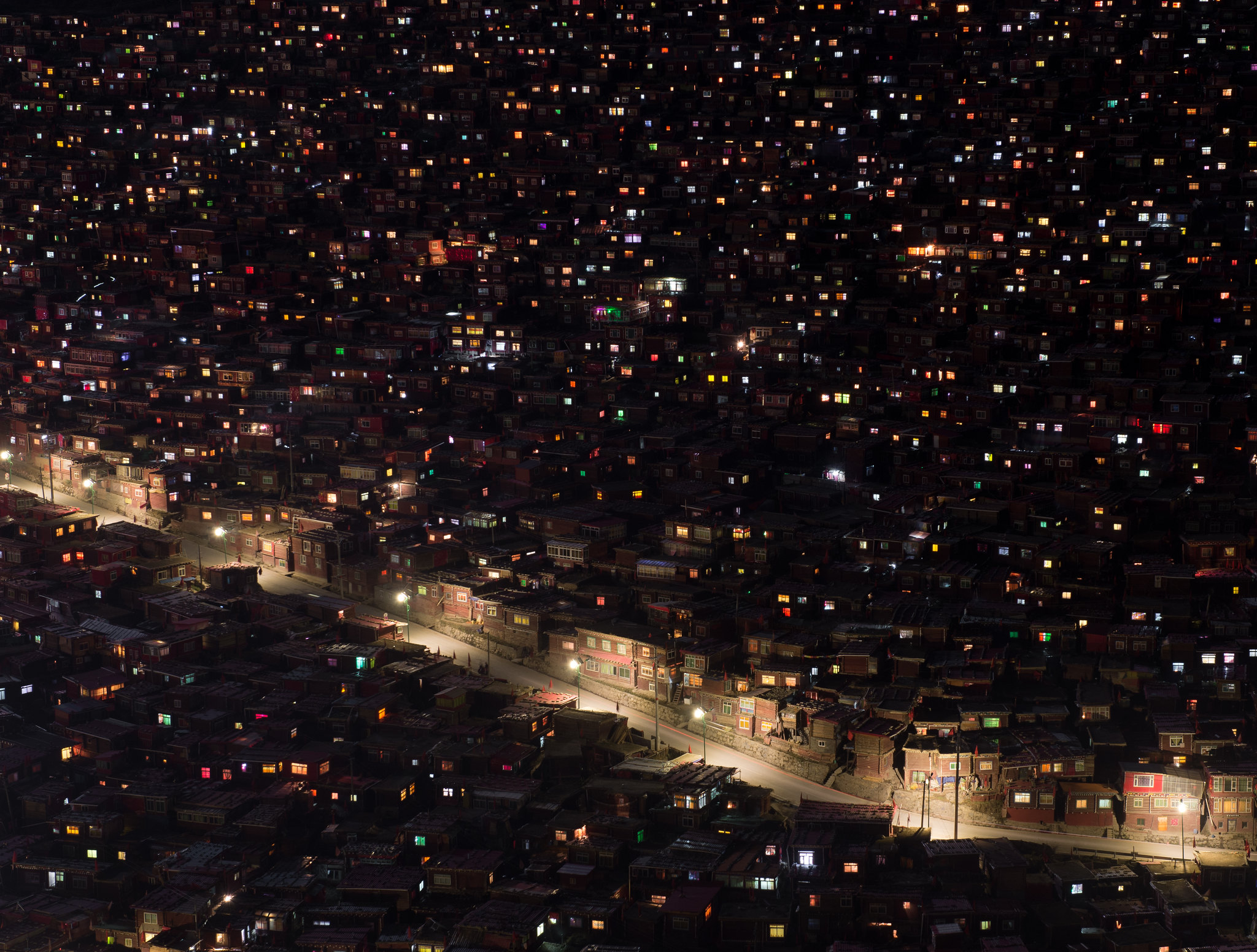 larung gar by night