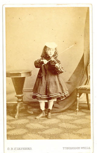 UK Girl Playing Violin Carte De Vista | by Mirror Image Gallery