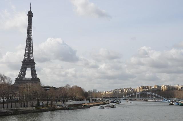 アルマ橋から見たエッフェル塔