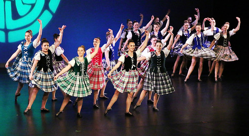 Celtic Rhythms go Back to Tradition