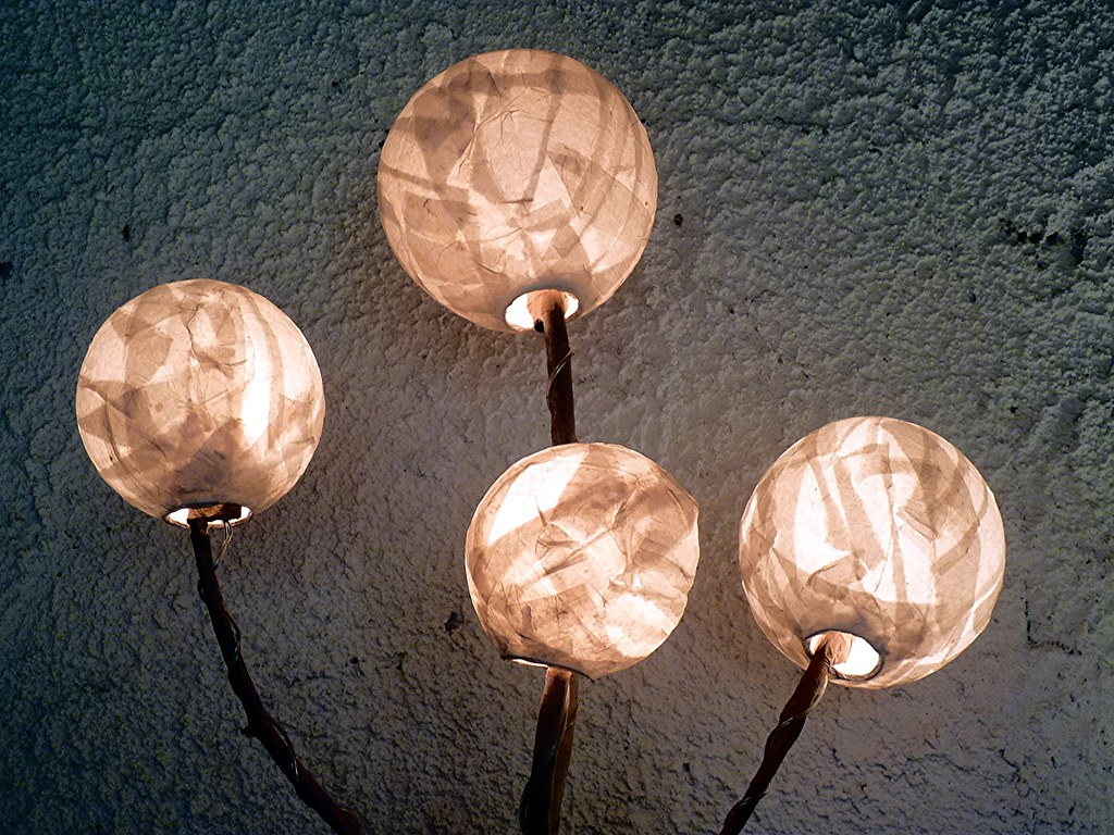 Lampade Artistiche Ceramica: Lampade artistiche artigianali segnalibri spille e anelli.