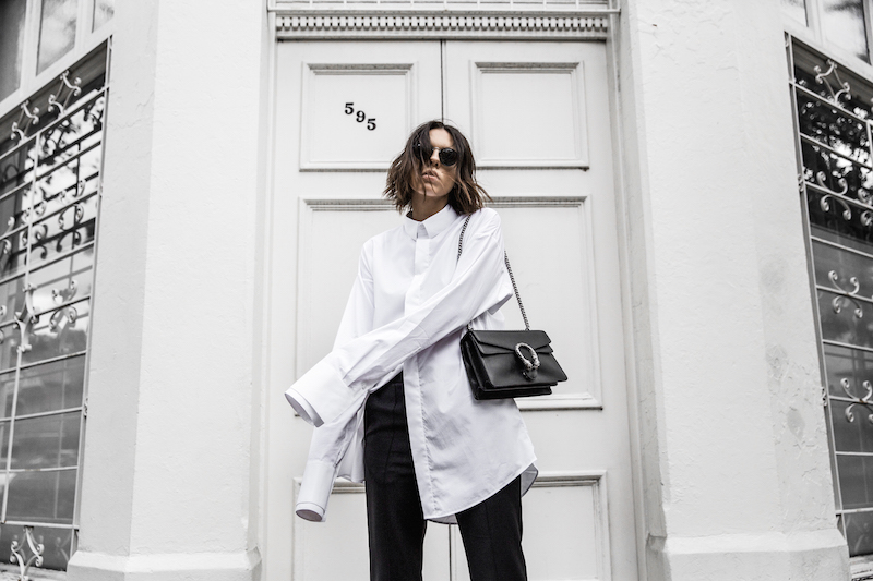 FARFETCH x MODERN LEGACY statement shirt overlong sleeves Ellery cropped flare Celine sneakers Gucci Dionysus bag black fashion blogger monochrome minimal street style (7 of 11)