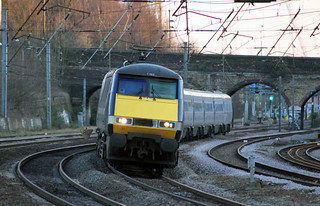 91 121 1D25 1749 Kings Cross - Leeds speeds through Harringay (1754) Monday 19th March 2012 | by Colin.P.Brooks Railway Photography & Frinton