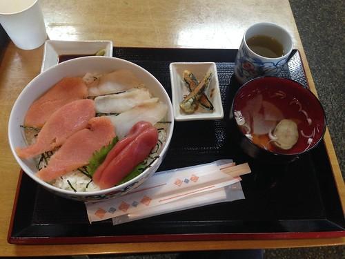 hokkaido-shiraoi-tarakoya-kojohama-tarako-don02