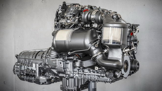 mercedes-four-cylinder-diesel-engine (2)