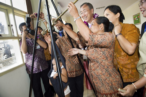Secretary-General's Visit to Bali Health Centre Focuses on Women, Children | by United Nations Photo