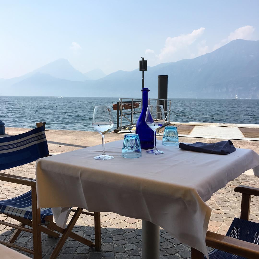 Viva le vacanze! A nice place to enjoy pasta and fresh fish from the lake // На третий день до нас наконец стало доходить, что мы в отпуске и что можно, наконец, расслабиться