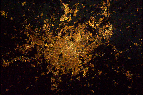 Paris by night (6 February 2012 23:03) | by André Kuipers