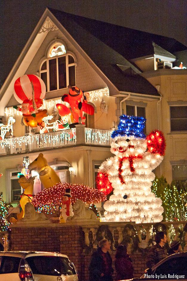 Decoraciones navide as en dyker heights brooklyn flickr - Decoraciones navienas ...