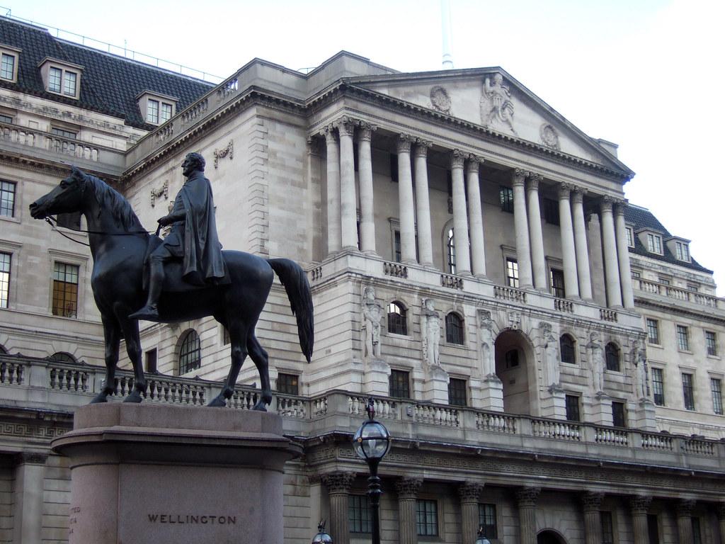 Los fundamentos jurídicos de la actividad bancaria