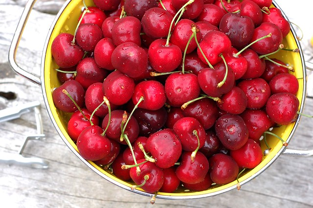 Sweet cherries from WA State Stone Fruit Growers Association by Eve Fox, the Garden of Eating, copyright 2016