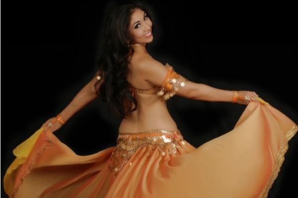 Llega a Lima destacada bailarina peruana de danzas árabes