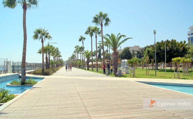 Лимассол Фото - Набережная Молос. Кипр