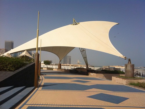 Tension roof structure sun shade corniche abu dhabi for Sun shade structure