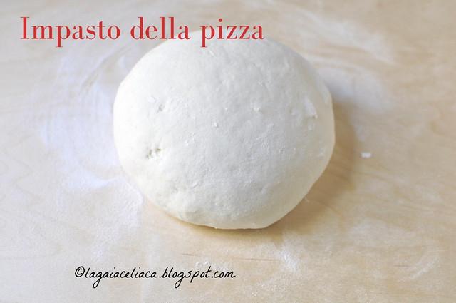Pizza - impasto prima di lievitare