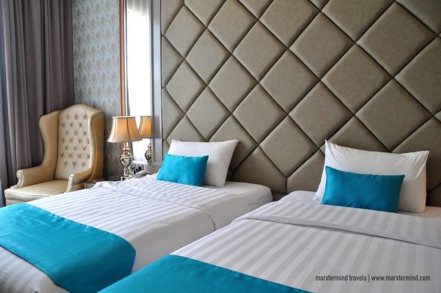 Park View Hotel Bandung Parisian Blue