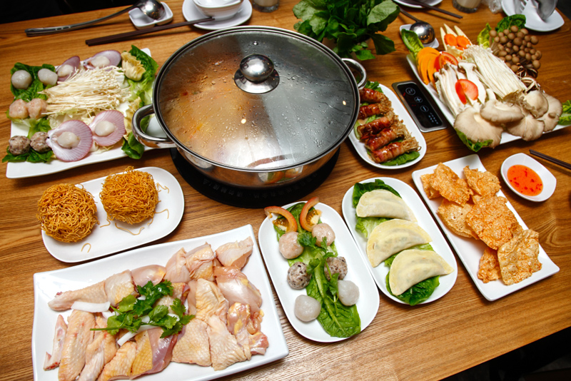 Coconut Steamboat