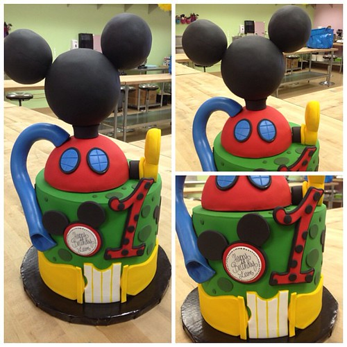 Liam's Mickey Mouse Clubhouse 1st Birthday Cake! #cake #ca