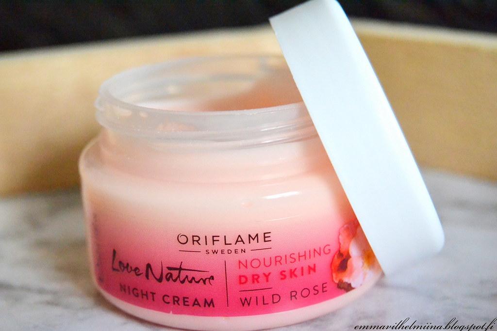 oriflame night cream villiruusu