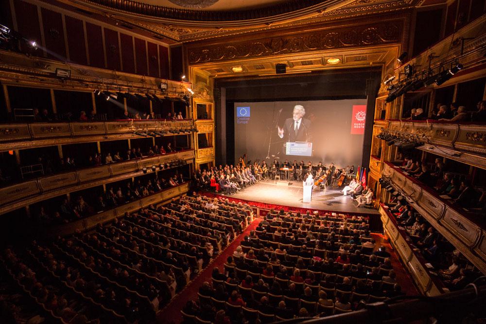 entrega-premios-europa-nostra-2016_madrid_foto-via-europa-nostra_placido-domingo_presidente