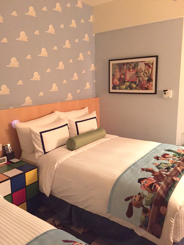 toystoryhotelroom