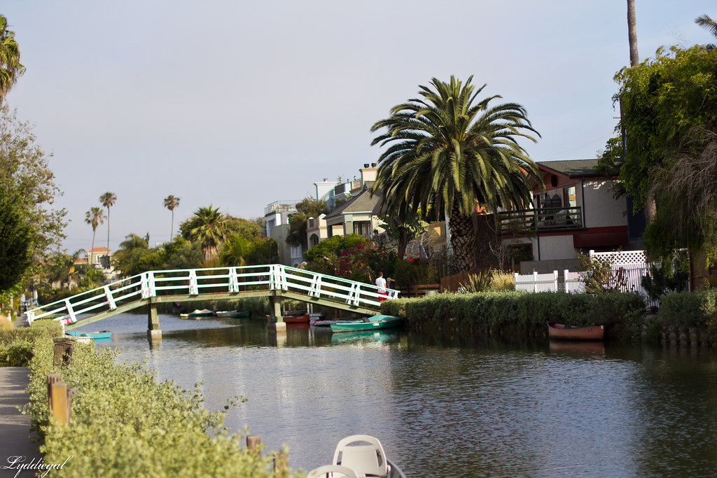 canals in venice california-3.jpg