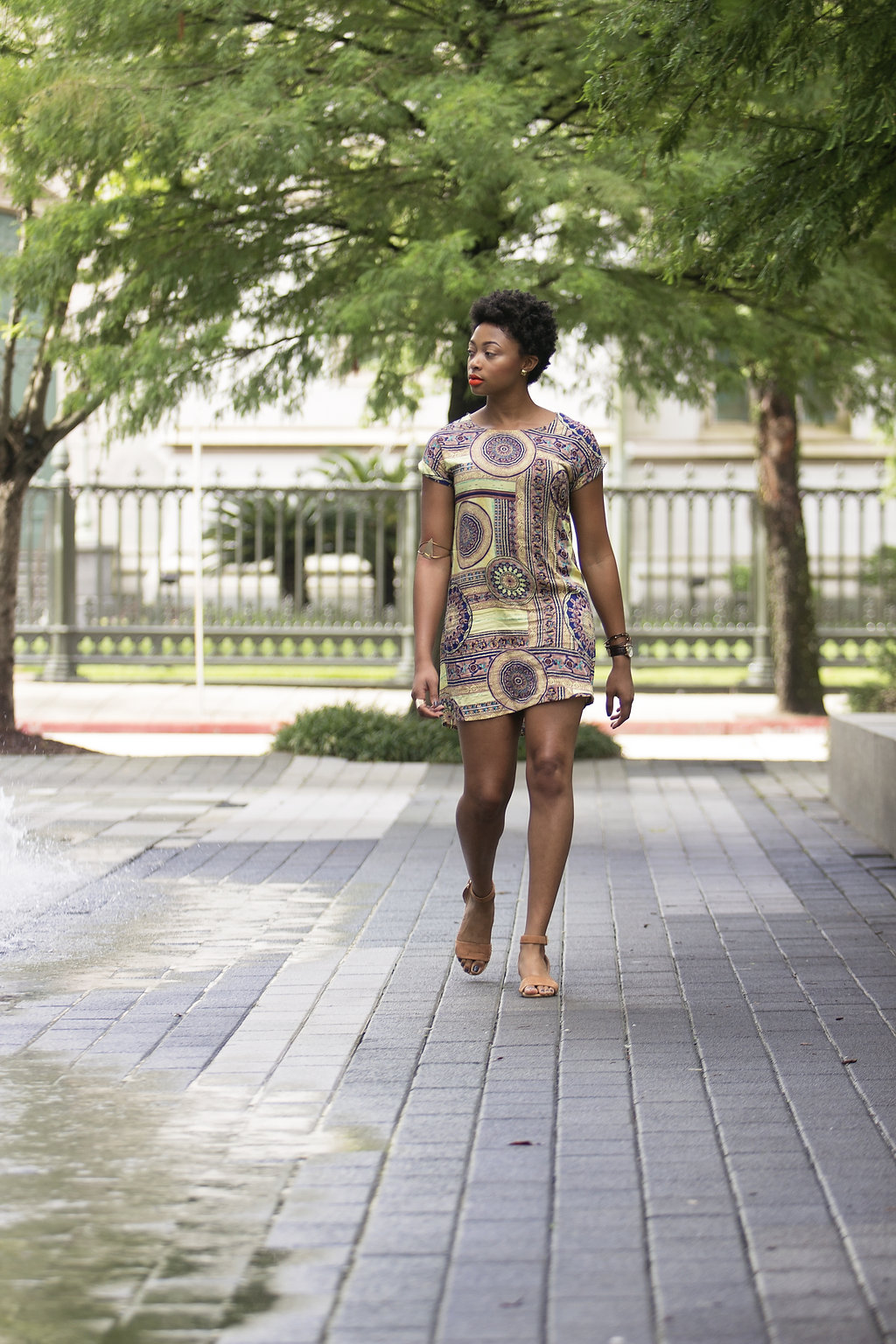 baton rouge street style, boohoo paisley shift dress