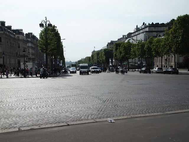 P5281805 シャンゼリゼ大通り L'Avenue des Champs-Élysées パリ フランス paris france