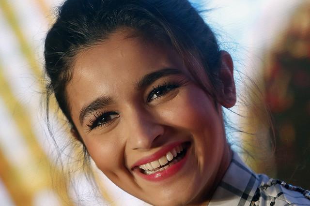 Фото | Красивая индийская актриса Алия Бхатт. 23 года