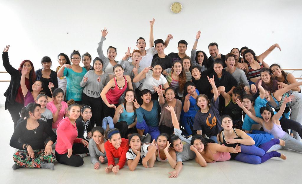 Taller de Danza de la escuela Claudio Arrau Comparte con Taller de Danza de la U de Chile