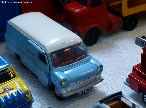 Dinky Toys, Ford Transit - Reunión VI Aniversario DiecastChile