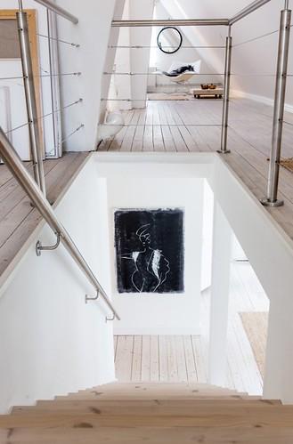 06-casa-abuhardilla-escaleras-madera