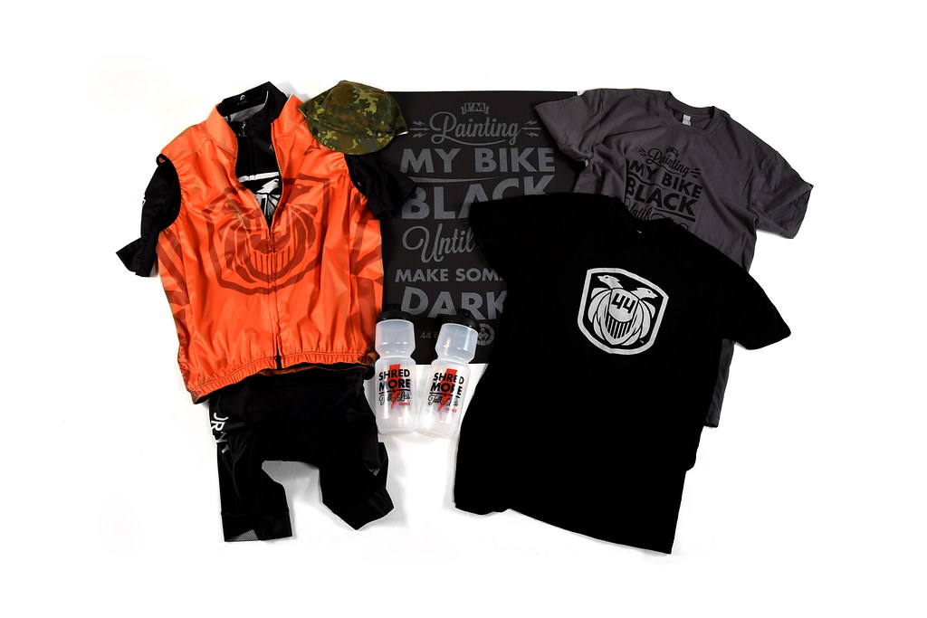 """44 """"Flow Team"""" Collection"""