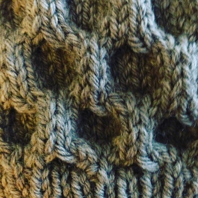 Do love a good honeycomb cable... #handknit #knittersofinstagram